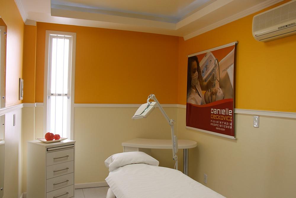 Consultório Danielle Cieckovicz - Sala Tratamentos Faciais